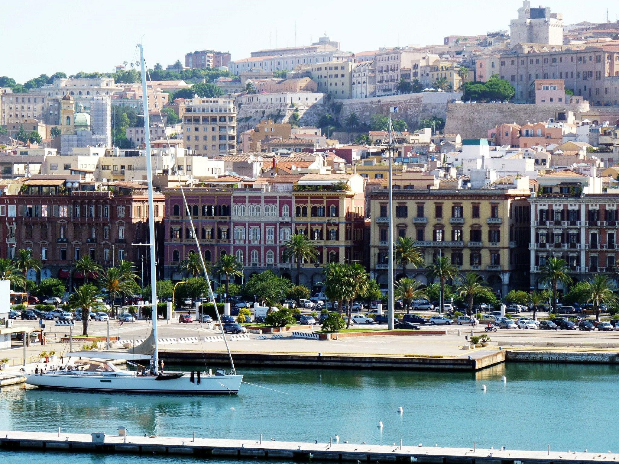 Cagliari - Via Roma